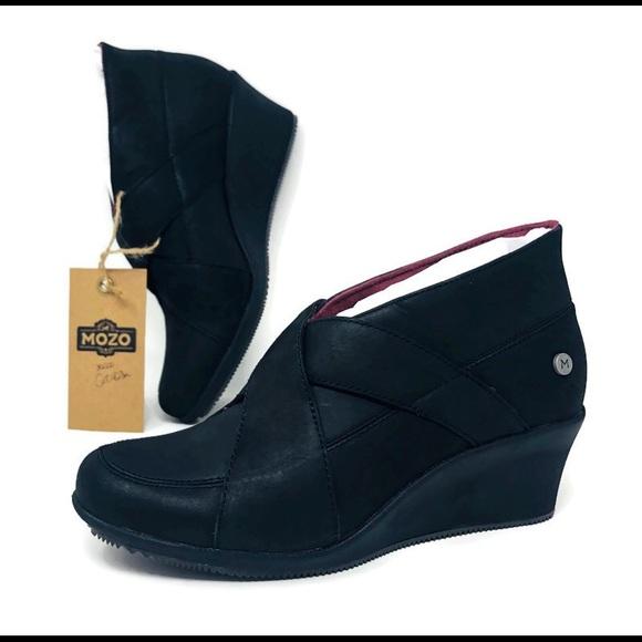 Mozo Black Wedge Heel Slip Resistant